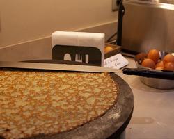 Breakfast crepe maker